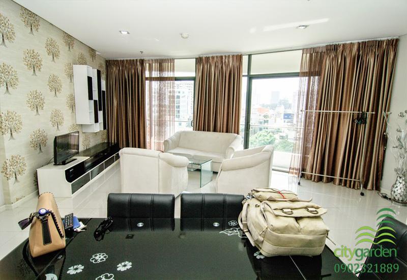 phòng khách căn hộ 2 phòng ngủ 104m2 cho thuê