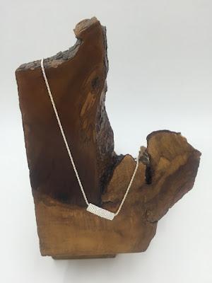 collar hecho a mano
