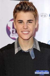 جستن بيبر (Justin Bieber)، مغني كندي
