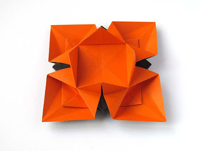 origami, foto 3: Fiore o Stella 3 - Flower or star 3 © by Francesco Guarnieri