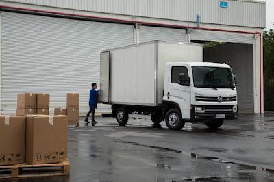Caminhão Delivery Express 4.150