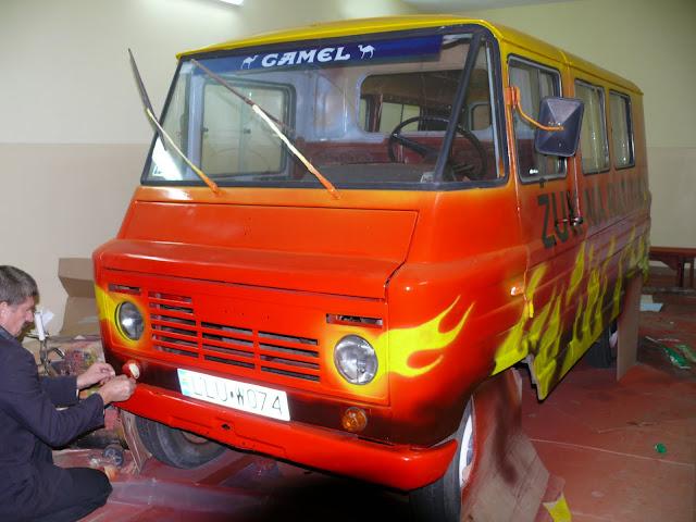 areografia, malowanie żuka, malowanie areografem płomieni na samochodzie, artystyczne malowanie samochodów