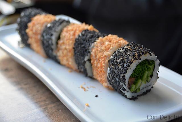 סושי שחור לבן black white sushi