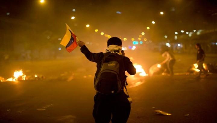 Κόλαση στην Βενεζουέλα προκαλούν οι ΗΠΑ – Οι ταραχές τύπου «Δεκεμβριανών 2008» συντονίζονται από… ΜΚΟ !