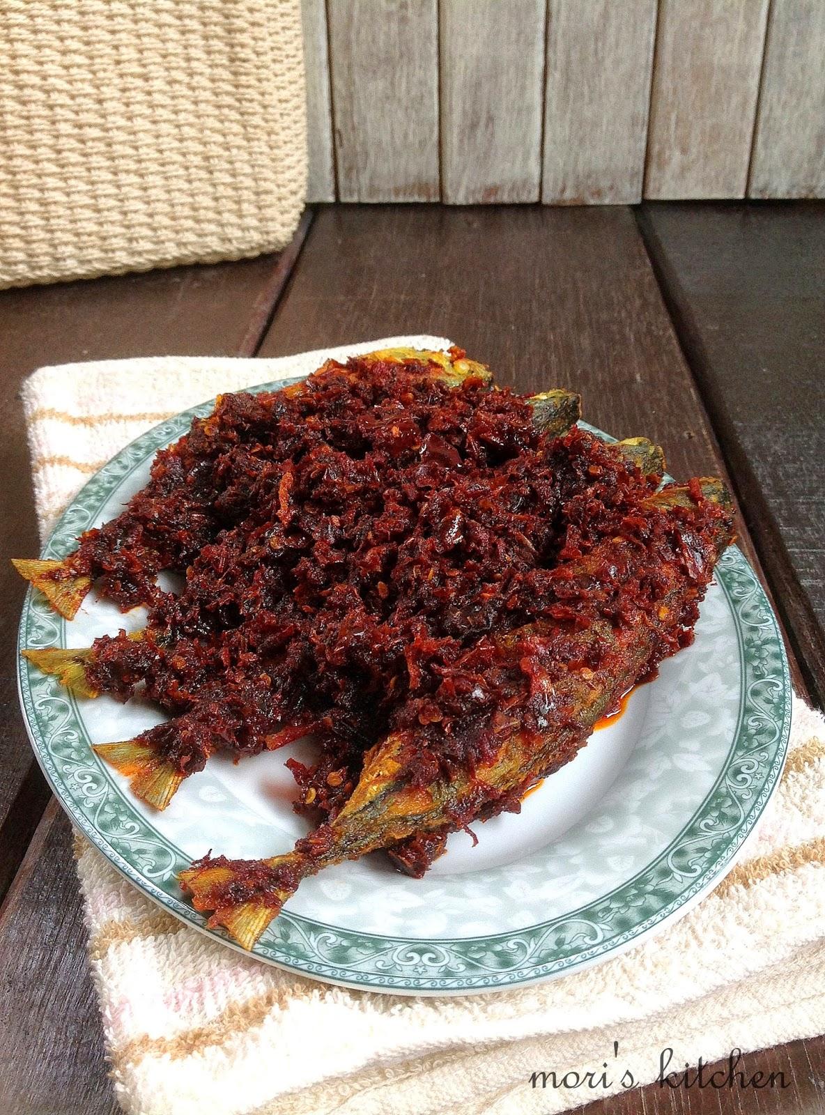 Mori's Kitchen: Ikan Kembung masak Sambal Kering