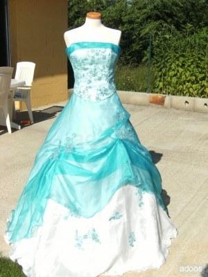 robe de mari e bleue et blanche coiffure mariage. Black Bedroom Furniture Sets. Home Design Ideas