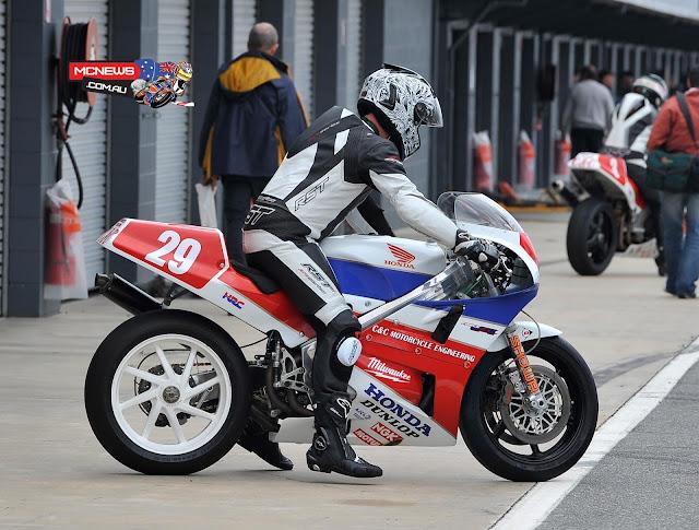 Honda RC30 Stunt Pics\