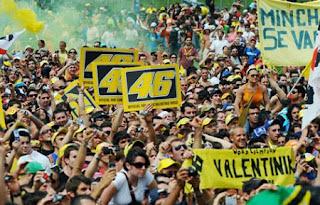 Fans Rossi Marah karena Foto Marc Marquez dan Jorge Lorenzo