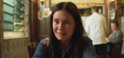 Amor de Mãe: Thelma passa mal ao preparar o próprio funeral e apavora Lurdes