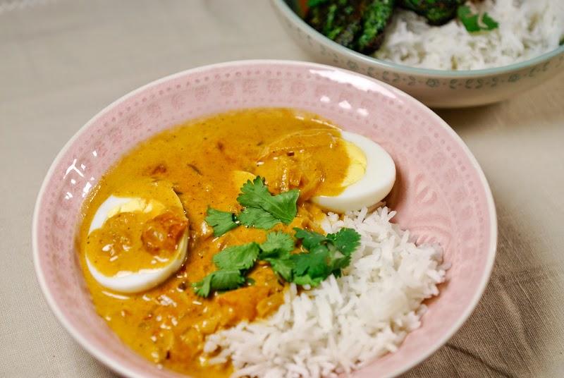 eerst koken indiase curry met ei vegetarisch. Black Bedroom Furniture Sets. Home Design Ideas