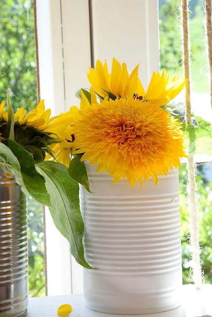 Sonnenblumen auf Blumenschaukel
