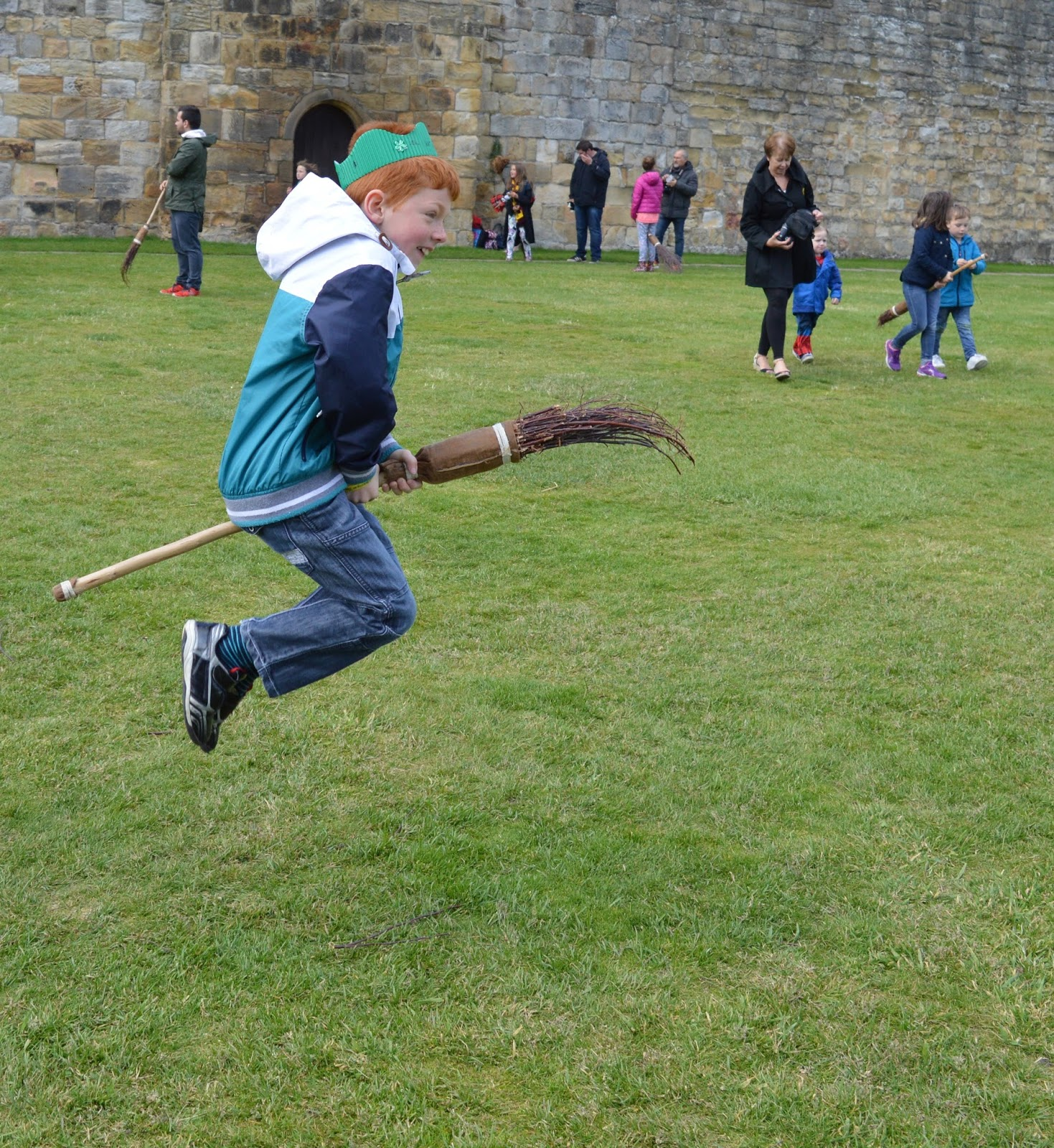 Alnwick Castle | Harry Potter Broomstick Training | Flying a broomstick