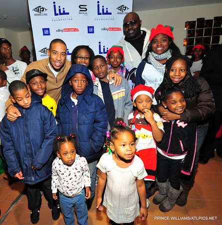 Ludacris Christmas.Ludacris And Jonas Jennings Supplies Atlanta Area Kids Coats