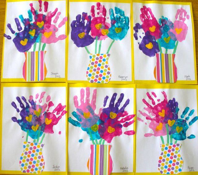 Idea to draw flowers using handprint for kids 3