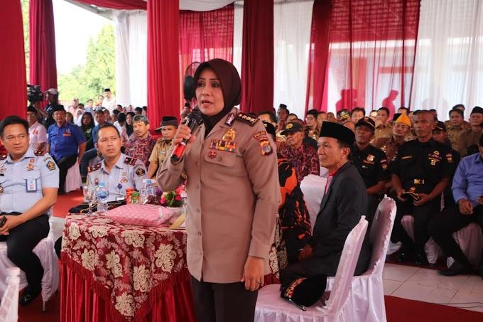 Waka Polda Lampung Didampingi Kabid Humas,Menghadiri Acara Talk Show Di Lampung Utara