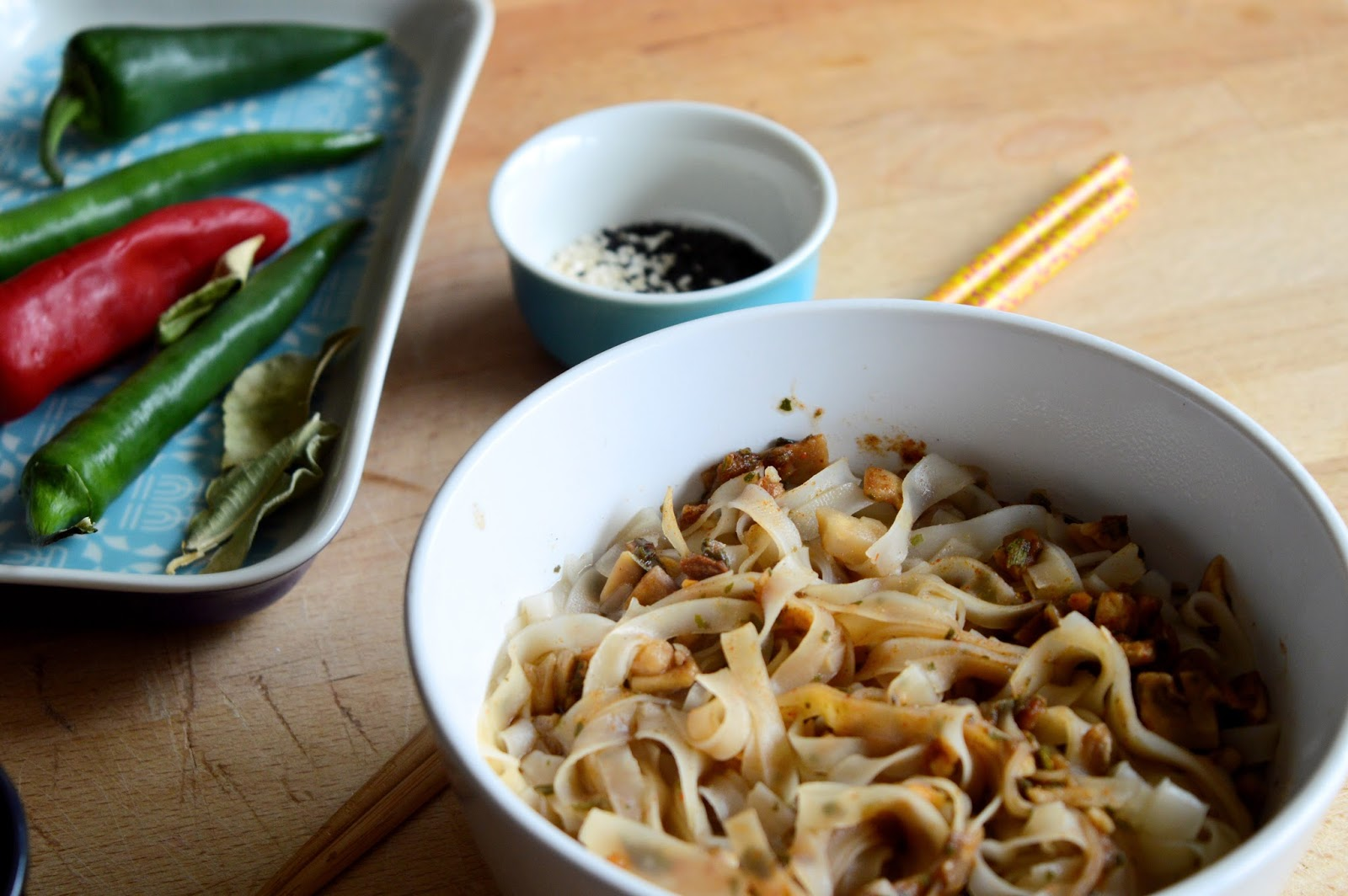 Mr Lees Noodles review, Dragon Fire Mushroom, healthy lunch ideas, UK food blogs