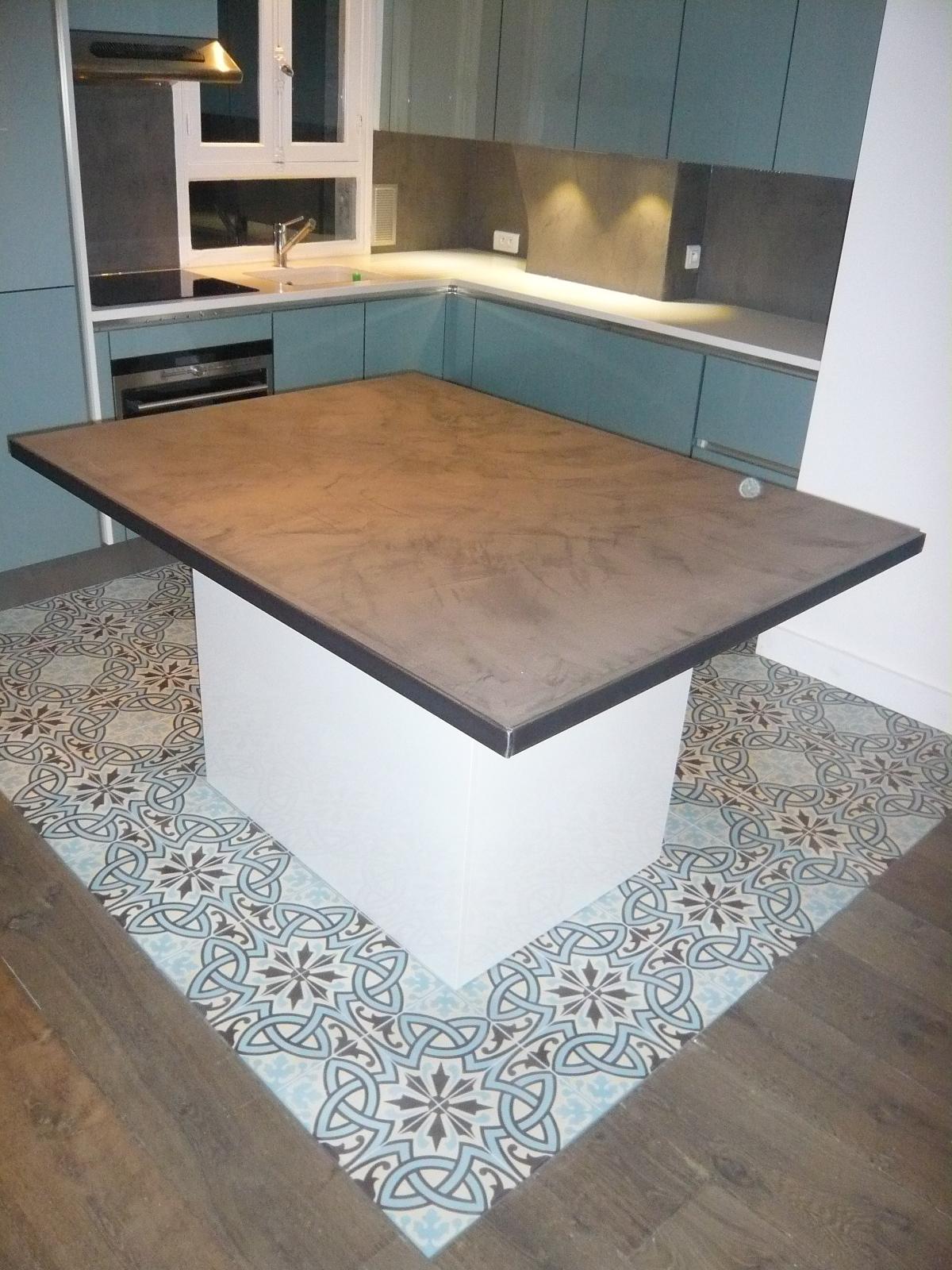 brok n deco credence et ilot cuisine beton cire tommettes esprit bistrot. Black Bedroom Furniture Sets. Home Design Ideas