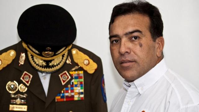 General Antonio Rivero asegura mantener contacto con Óscar Pérez (Video)