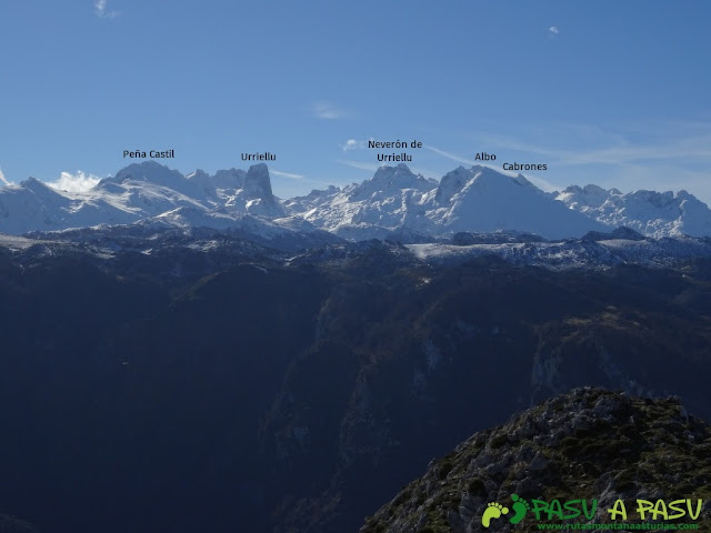 Sierra de Juan Robre: Vista del Macizo Central o de los Urrieles