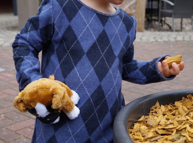 Lia Bach: Zauberhafte Festtagskleidung für Kinder. Schicke Oberteile für Jungs, festlich und doch bequem!