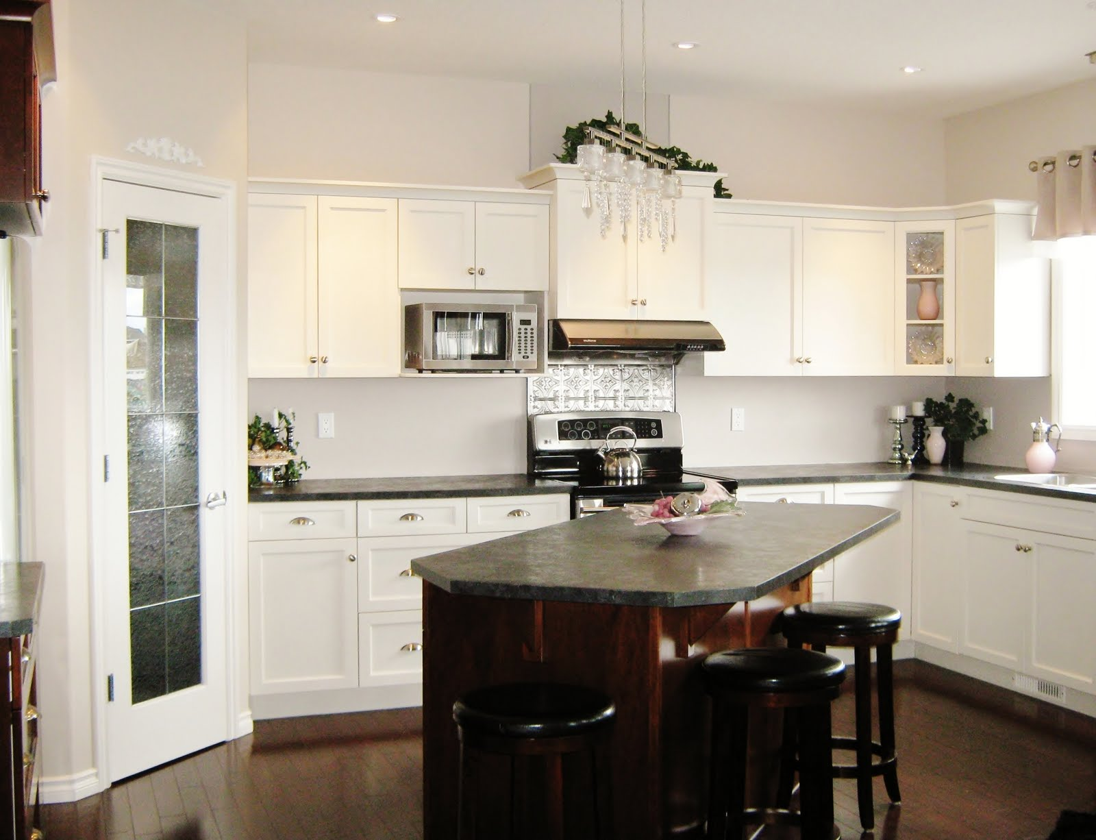 White Kitchen Design with Dark Island