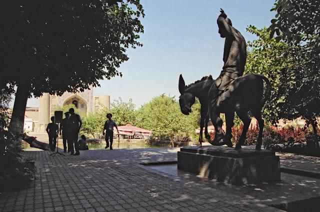 Ouzbékistan, Boukhara, Lyab-i-Haouz, Nasredinne Hodja, © Louis Gigout, 1999