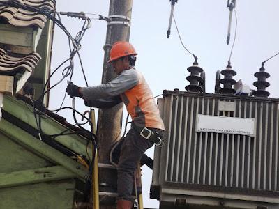 Maintenance Trafo dari Perusahaan Sewatama