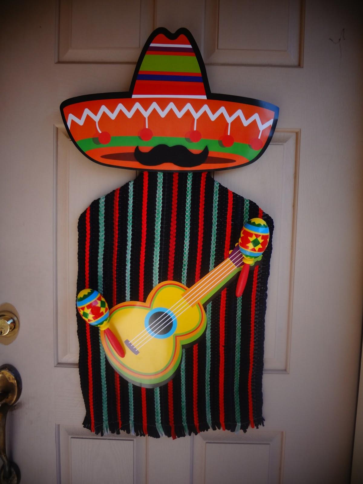 The Busy Broad: Cinco De Mayo Door Decor