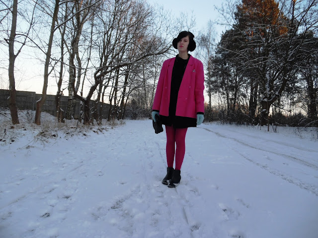 NORWEGIAN TIME / SKIRT / JACKET / EARMUFFS / COLORS
