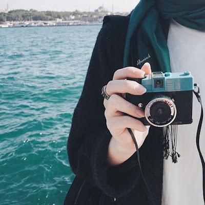 Hasil gambar untuk hijab tampak belakang