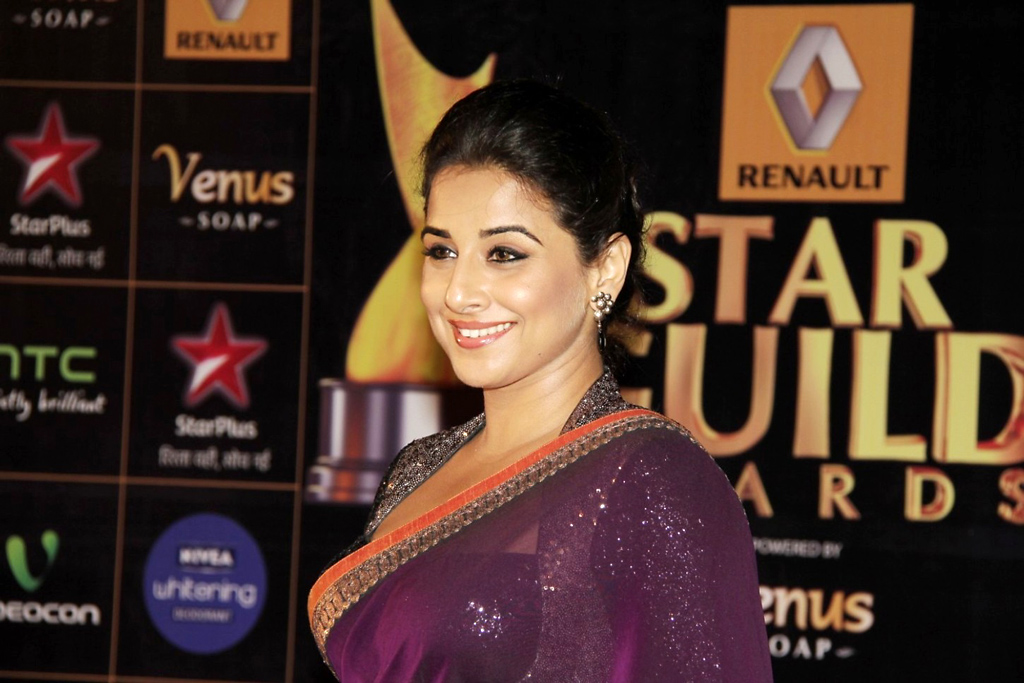Vidya Balan Latest Photos In Violet Saree