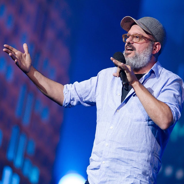 David Cross wife, net worth, age, amber tamblyn, movies and tv shows, tour, stand up, comedian, arrested development, actor, musician, hits, alvin and the chipmunks, making america great again, wiki, biography