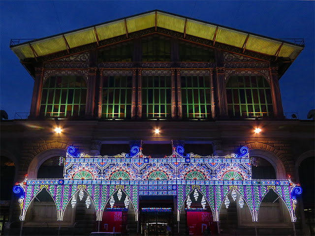 Mercato Centrale, Central Market at night with Christmas decorations, Piazza del Mercato Centrale, Florence