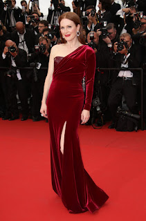 Julianne Moore Looking So Pretty On Red Carpet