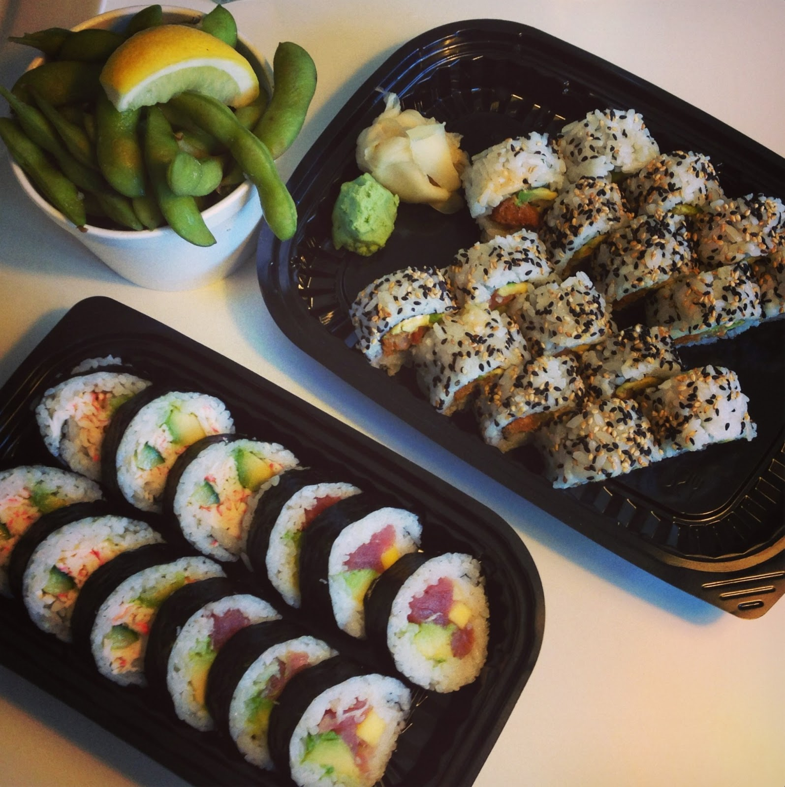 sushi, takeaway, weekend, fredag, ris, fisk, edermame, bønner, citron, hatoba, islands brygge, mad, sommer