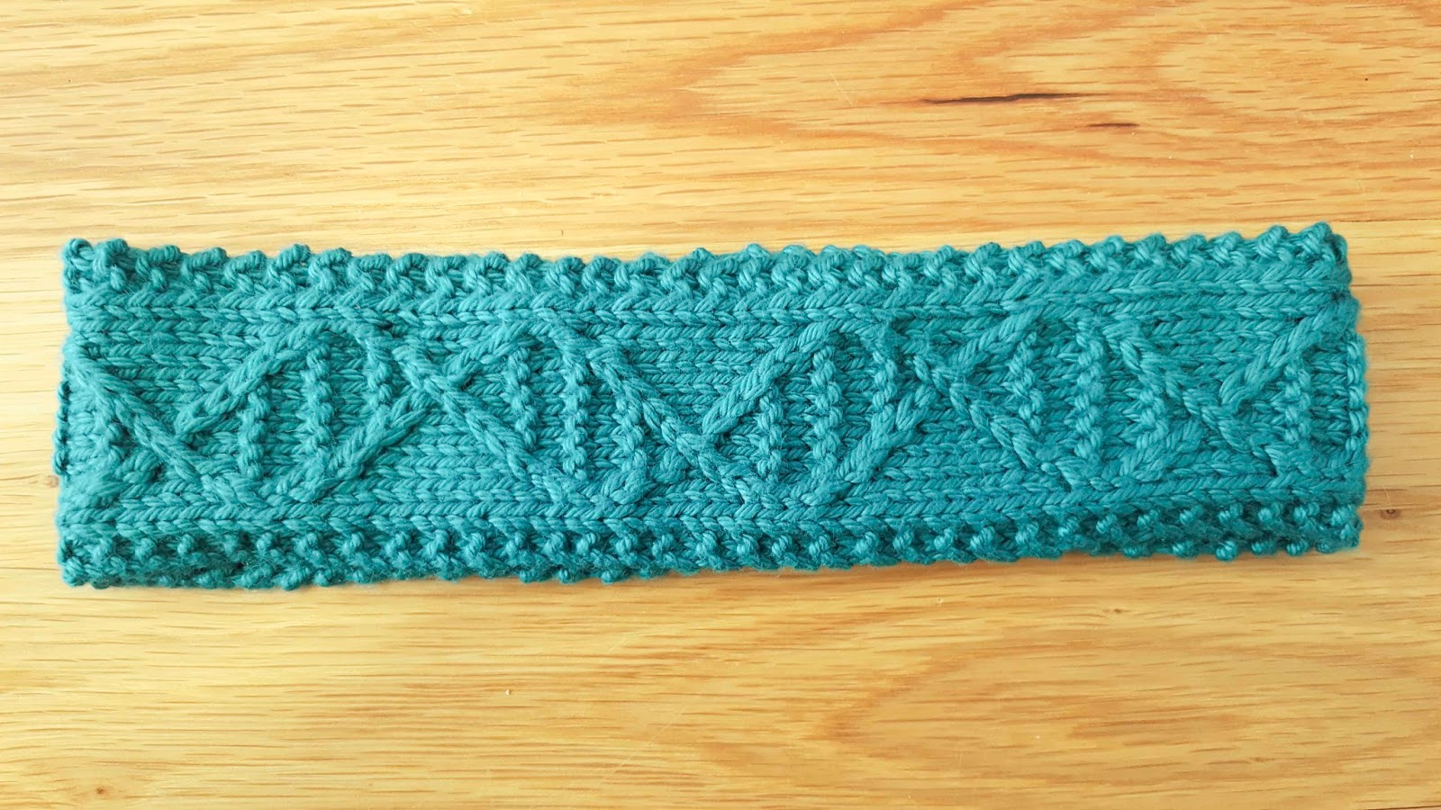 ChemKnits: GENEie Plasmid - A DNA Cable Headband