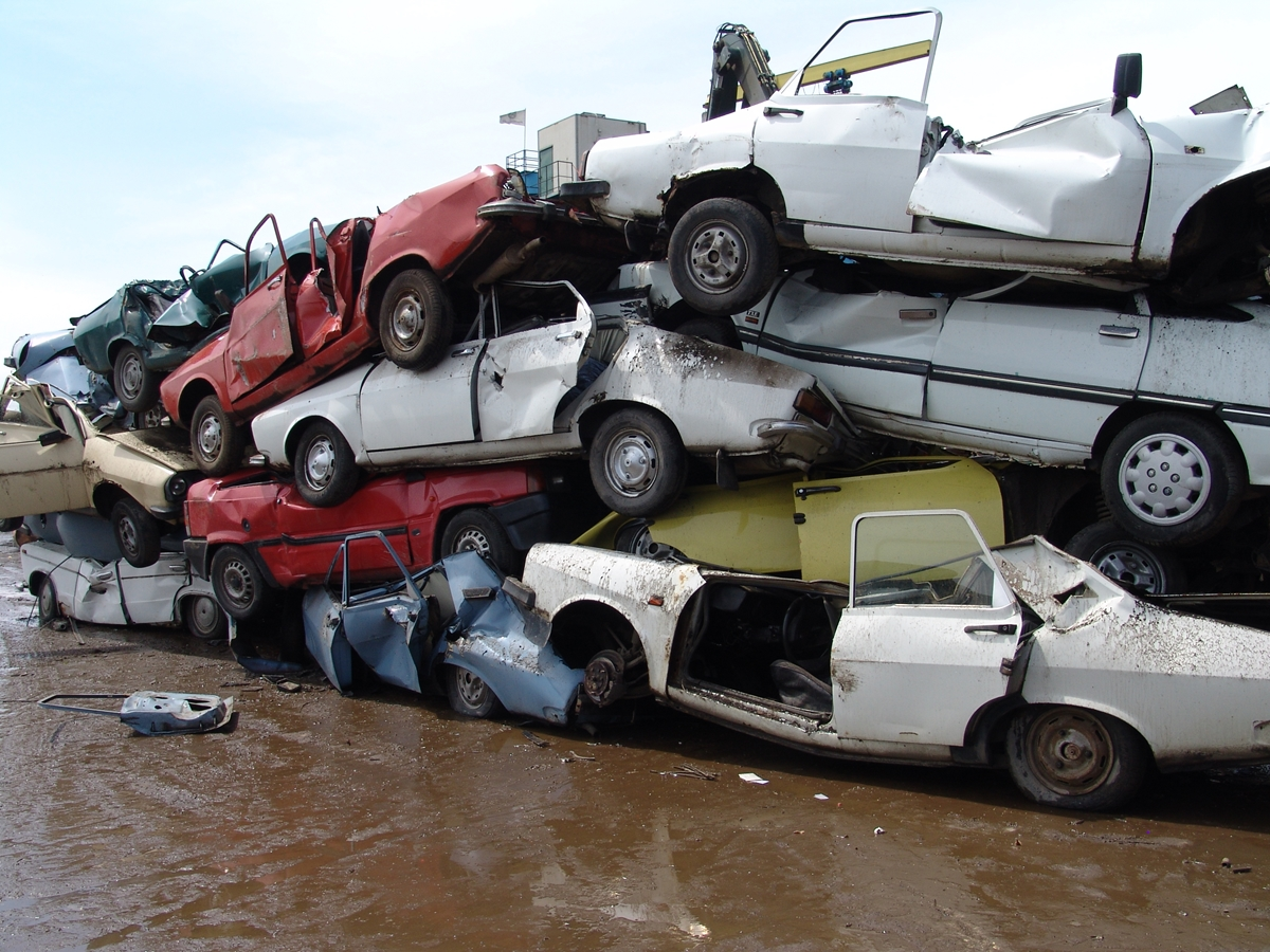 Salvage Yards That Buy Junk Cars