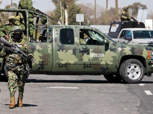 Militares caen en narcocampamento y abaten a seis sicarios, vestían ropa negra y también camuflaje tipo militar,tenían rifles de alto poder