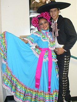curvo llamada chica trajes en León