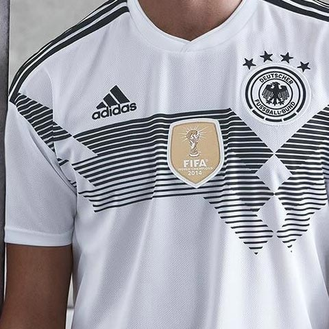 09416284 The 2014 World Cup winners badge featured on all Germany kits since 2014,  e.g. on the Germany 2016 Euro kit and on the Germany 2017 Confed Cup jersey.