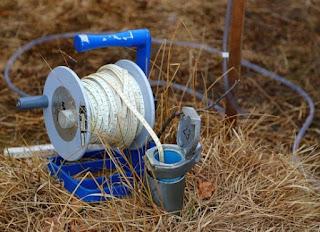 Bron foto: Kenmerken meetfout bij automatisch meten grondwaterstand door Provincie Overijssel. https://pixabay.com/photos/groundwater-measurement-water-835827/