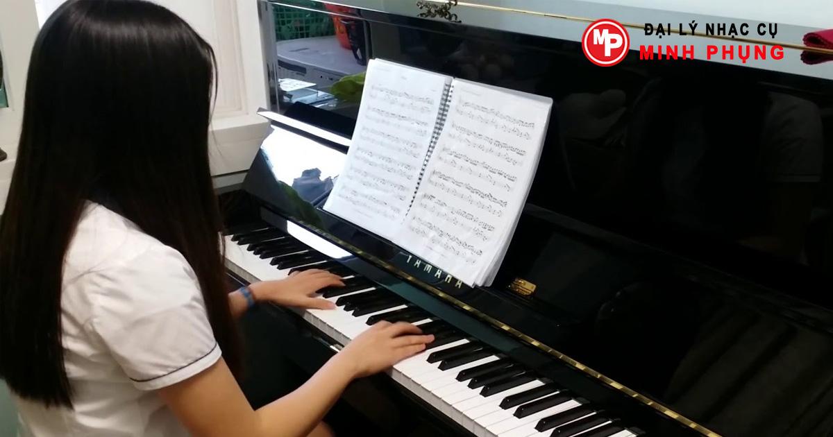 giá đàn Đàn Piano Yamaha U1H