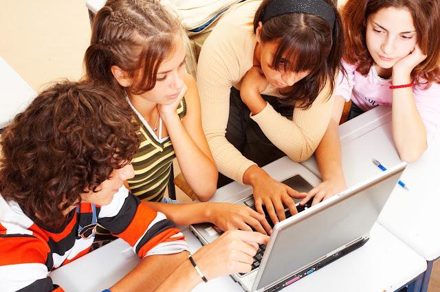 Peran Teknologi Informasi dalam Dunia Pendidikan