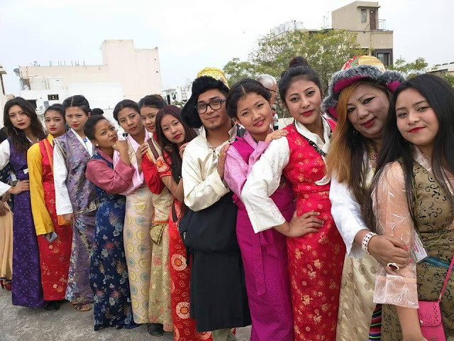 Maruni dancers from Darjeeling, Sikkim, and Dooars en route to create world record