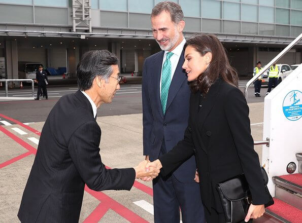 Queen Letizia wore Carolina Herrera suit. the enthronement ceremony for Emperor Naruhito. Prime Minister Shinzo Abe