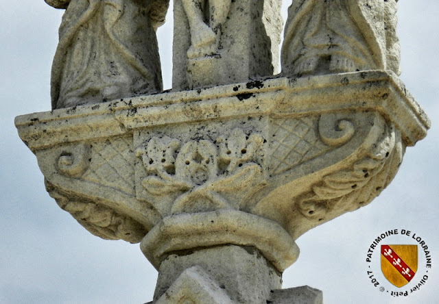 CHATENOIS (88) - Croix du Haut-Bourg (XVIe-1828)