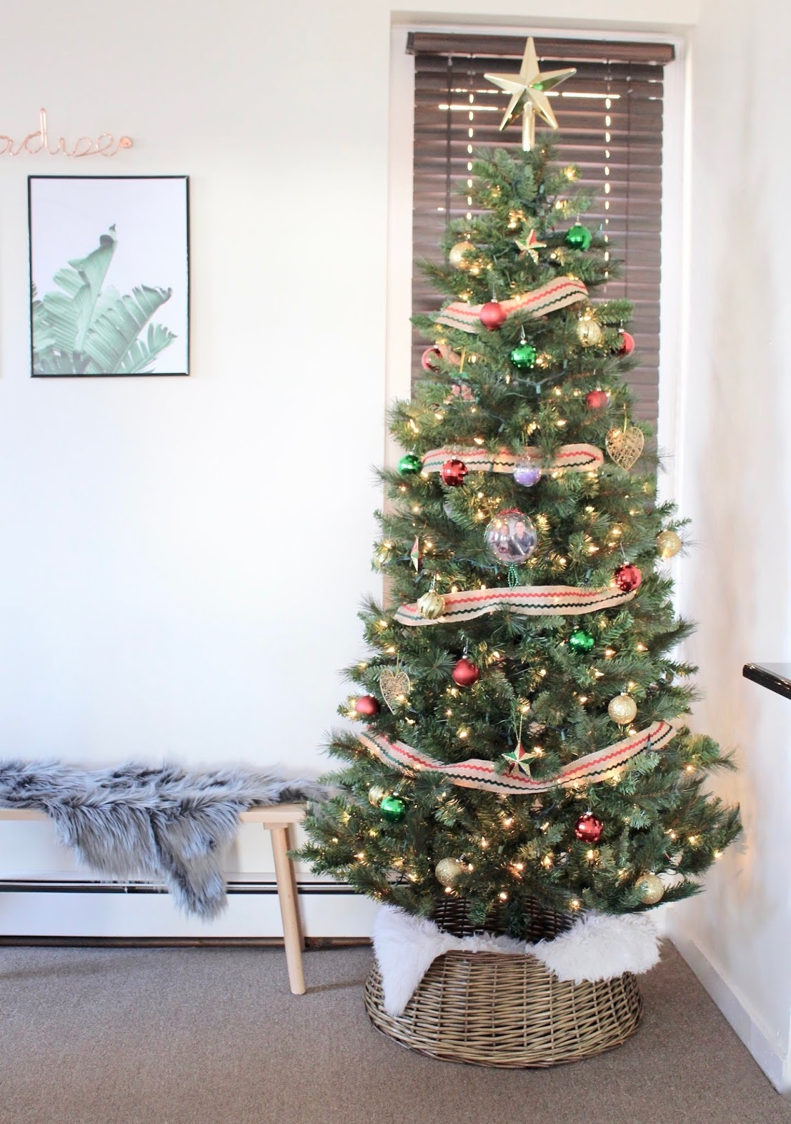 Christmas Tree Collar Guide To Christmas Tree Collars The Beetique