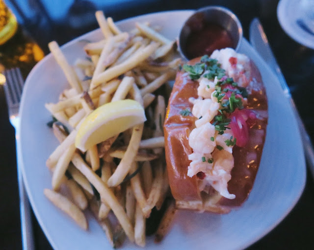 cru nantucket lobster roll