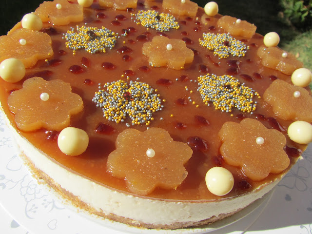 Tarta mousse de queso, miel y caramelo Ana Sevilla