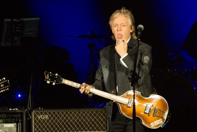 Paul McCartney promove emocionante encontro de gerações em show inesquecível